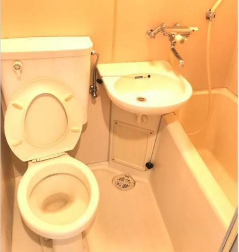 浴室 3点ユニットバスです。