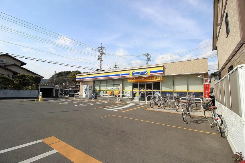 コンビニ ミニストップ山崎店