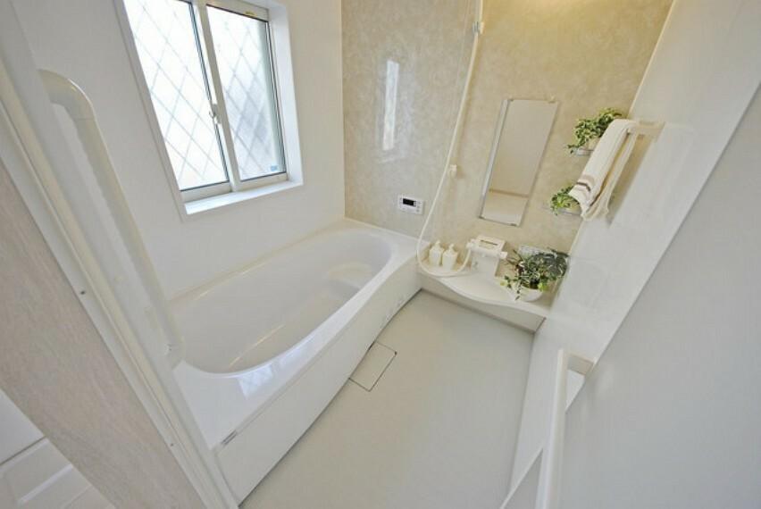 同仕様施工例 バスルーム(カラー選択可)