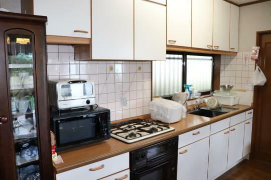 キッチン 温かみのあるキッチン台です