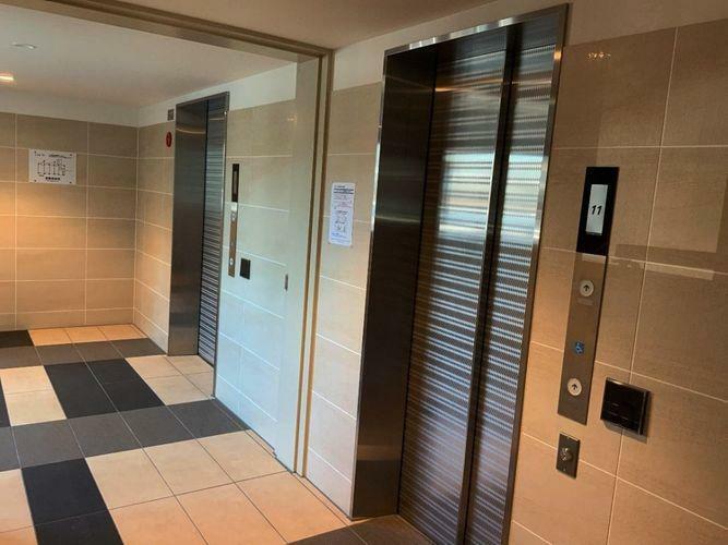 エレベーターが2基あるので便利です。