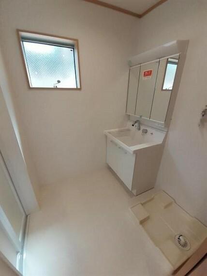 脱衣場 広めの洗面室がうれしいですね