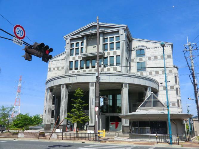 図書館 市立中央図書館 約2分