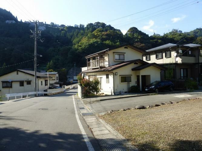 外観写真 前面道路を含む外観