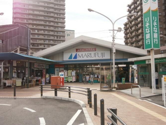 スーパー マルフジ東青梅店 徒歩5分(約400m)