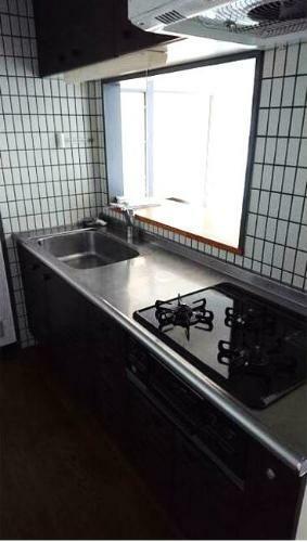 キッチン お子さまとお話ししながら、テレビを見ながら料理ができるカウンターキッチン。