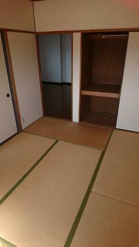 和室 6帖の和室。 ここちよい眠りへといざなう畳の香りと和風空間。