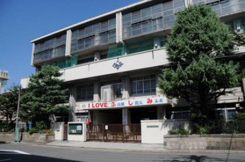 中学校 【中学校】京都市立伏見中学校まで1027m