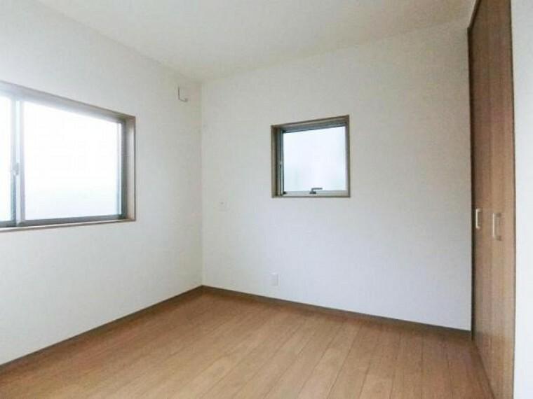 4.5帖の洋室は他と比べると小さいですが、お子様の一人部屋としては丁度良いサイズです。