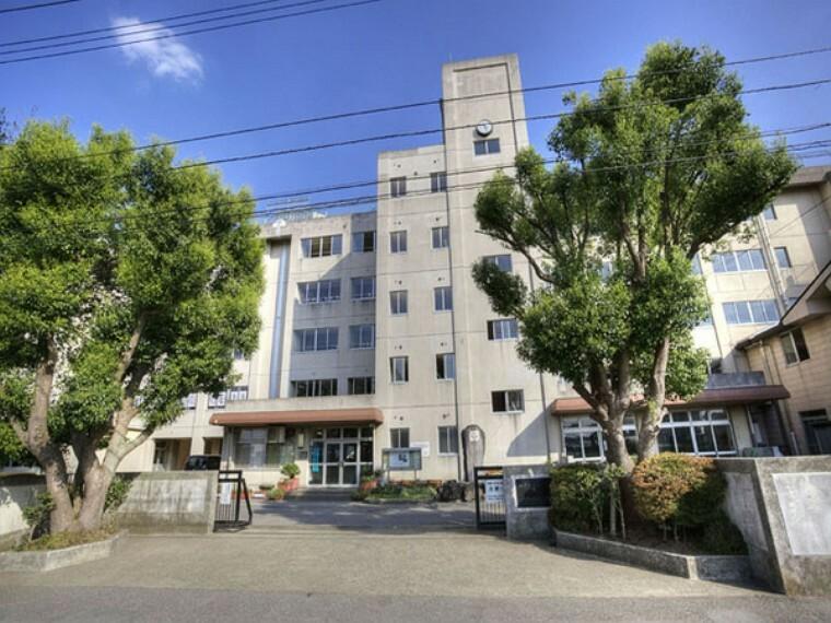 中学校 和名ヶ谷中学校 徒歩14分。子供が歩くにはちょうど良い距離感。