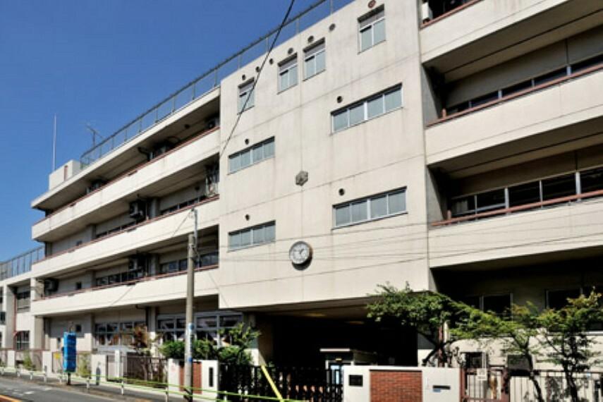 小学校 【小学校】港区立白金小学校まで567m