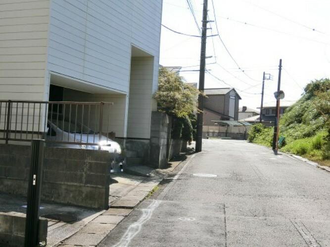 現況写真 前面道路は約6m幅です。