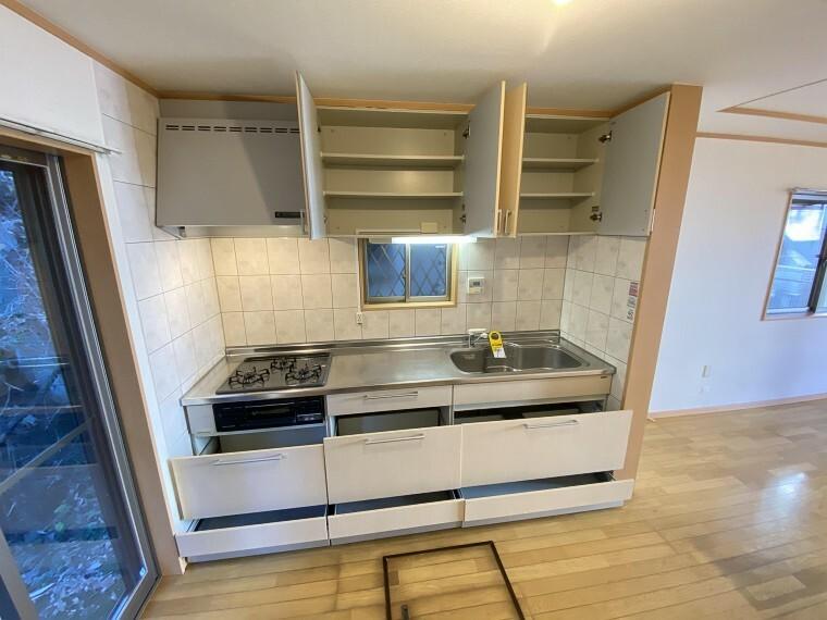 キッチン 収納も豊富なキッチン