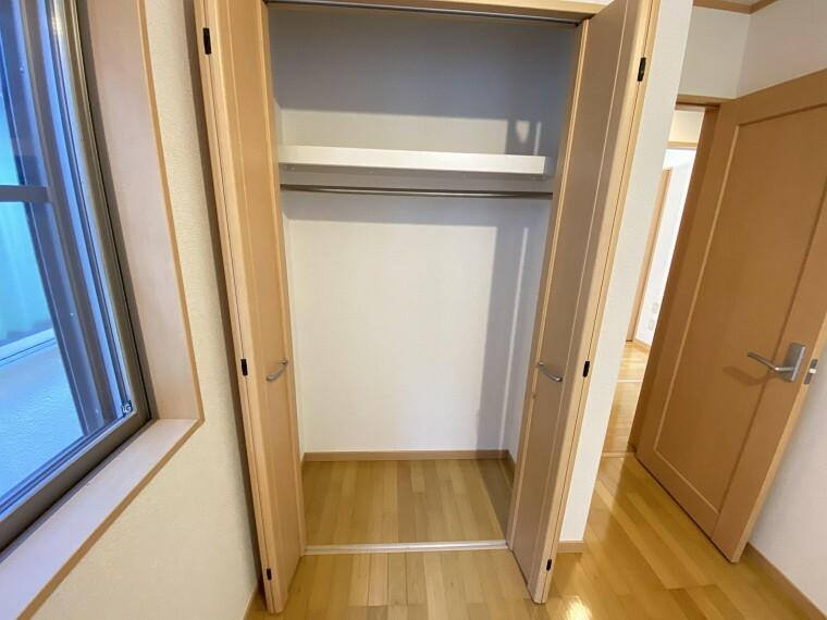 収納 収納スペースもしっかり確保されています!増えていくお子様の荷物や季節物なども充分に収納できます。