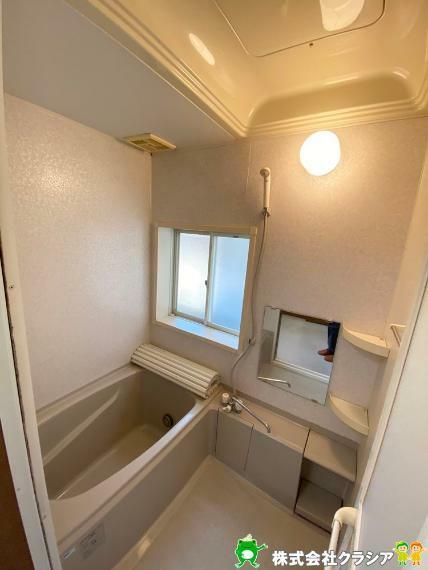 浴室 バスルームは心と体を整える場所。ゆとりのある空間は日々のバスタイムをより豊かなひとときに(2020年4月撮影)