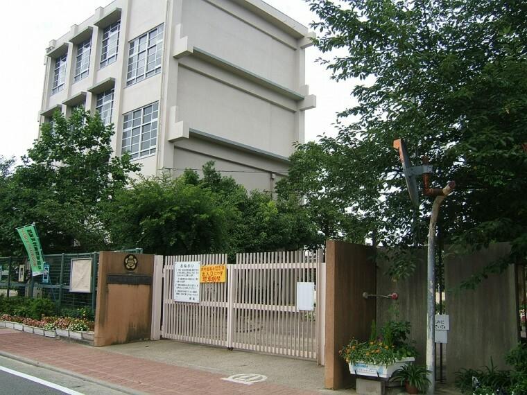 小学校 【小学校】尼崎市立立花西小学校まで587m