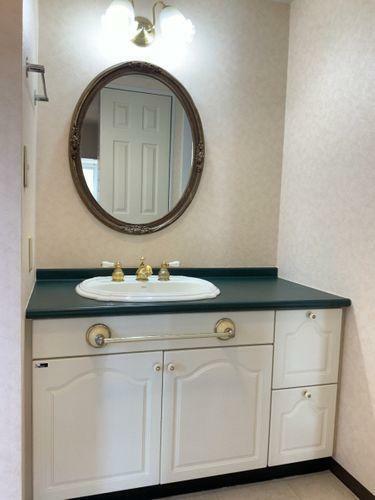 洗面化粧台 おしゃれな洗面化粧台です