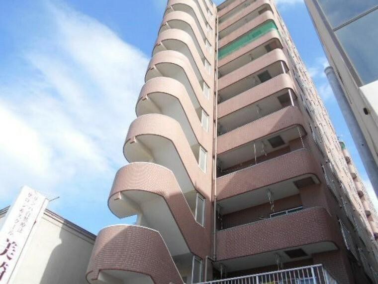 外観写真 平成元年築、11階建