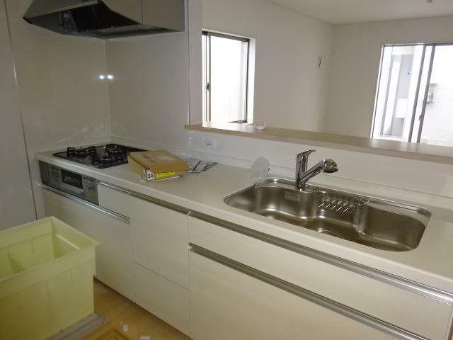 キッチン リビングが見渡せる使いやすい対面キッチン(同仕様)