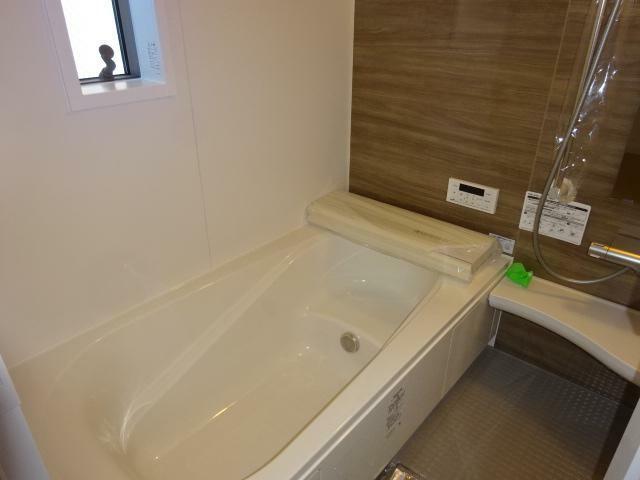 浴室 雨の日などにうれしい乾燥機能付きの浴室(同仕様)