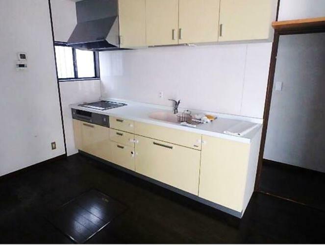 キッチン キッチン交換済。 IHキッチンはサッとひと拭きでお掃除ラクラ。