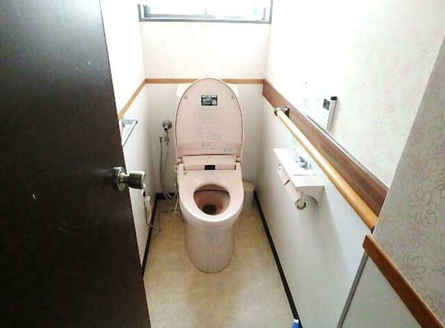 トイレ トイレは1階と2階に有ります。