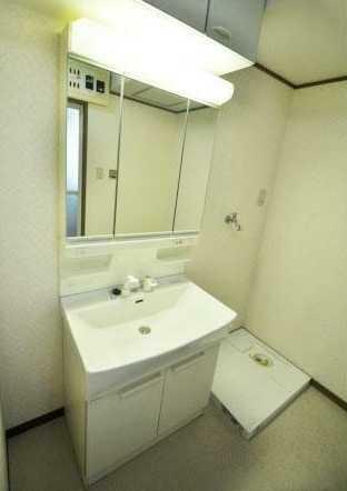 洗面化粧台 清潔感のある洗面化粧台!