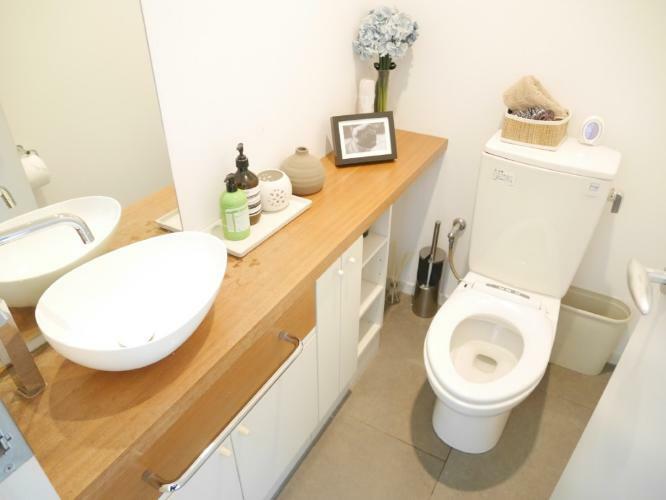 トイレ 手洗い器付きのトイレです。