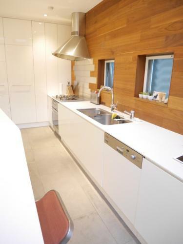 キッチン 食洗器や浄水器付きのシステムキッチンです。