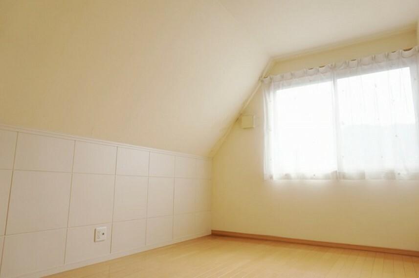 洋室 コンパクトな3階洋室です