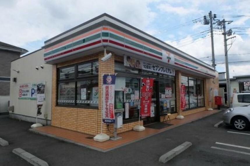 コンビニ 【コンビニエンスストア】セブンイレブン 入間店まで740m