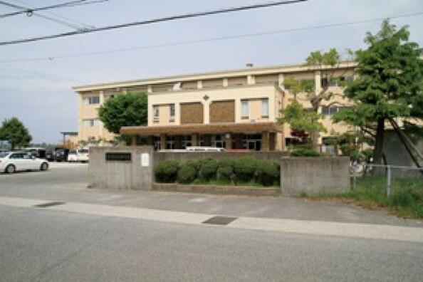 中学校 福米中学校:徒歩25分(約2000m)※令和元年10月撮影