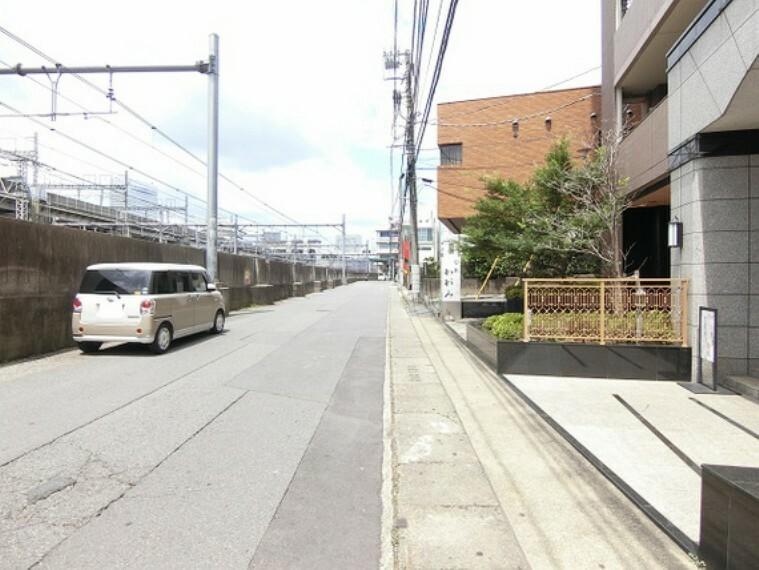 現況写真 マンション前面道路です。