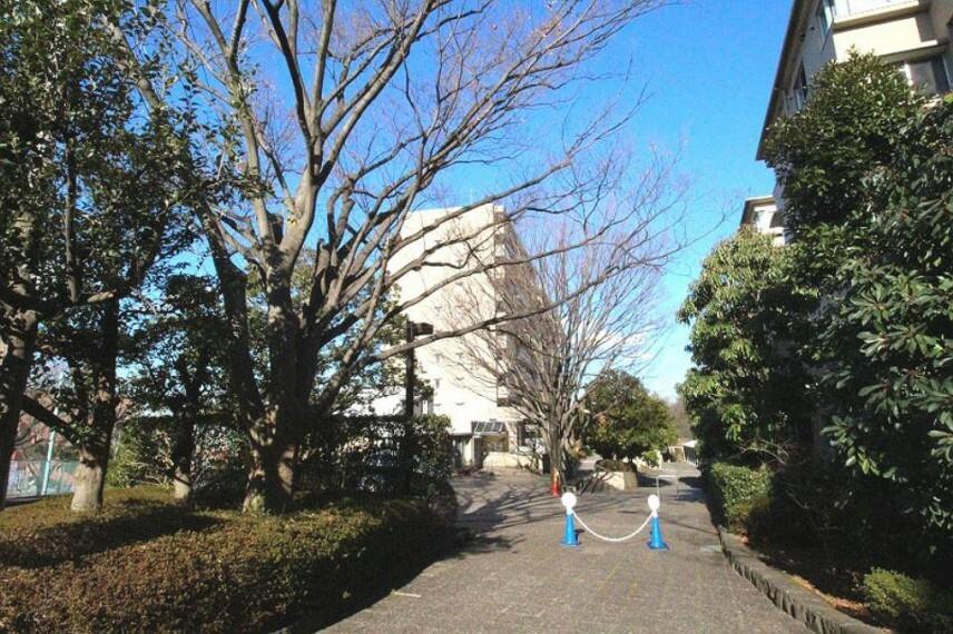 外観写真 横浜グリーンライン「都筑ふれあいの丘」駅から徒歩11分!東急田園都市線「荏田」駅へバスも利用可能です。