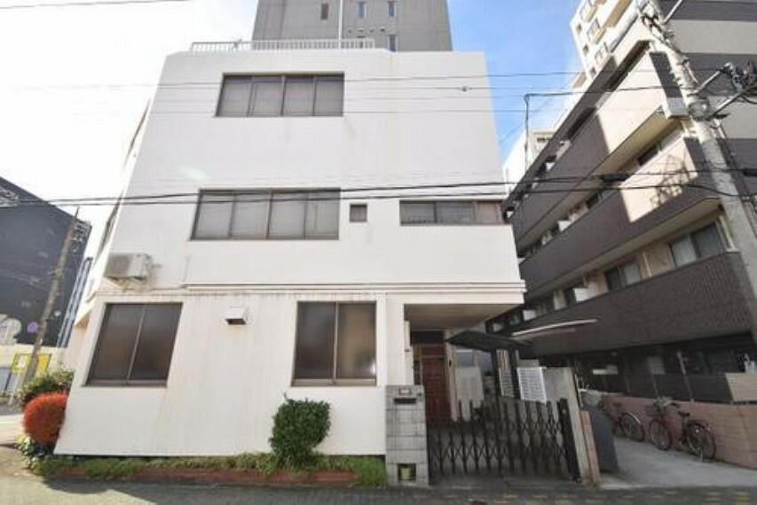 外観写真 敷地はゆったり約35坪ございます。千葉都市モノレール「葭川公園」駅より徒歩約9分の立地です。