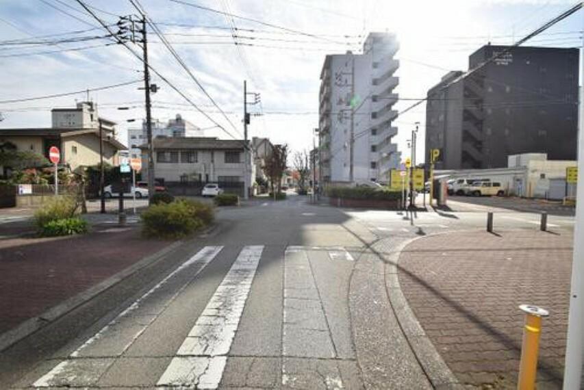 現況写真 東側前面道路です。