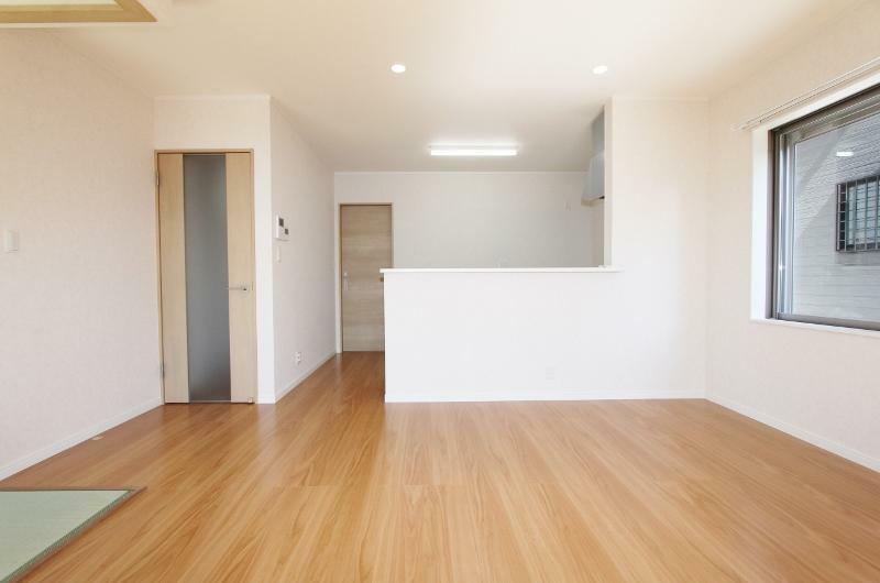 現況外観写真 木造2階建て4SLDKの新築建売物件です。