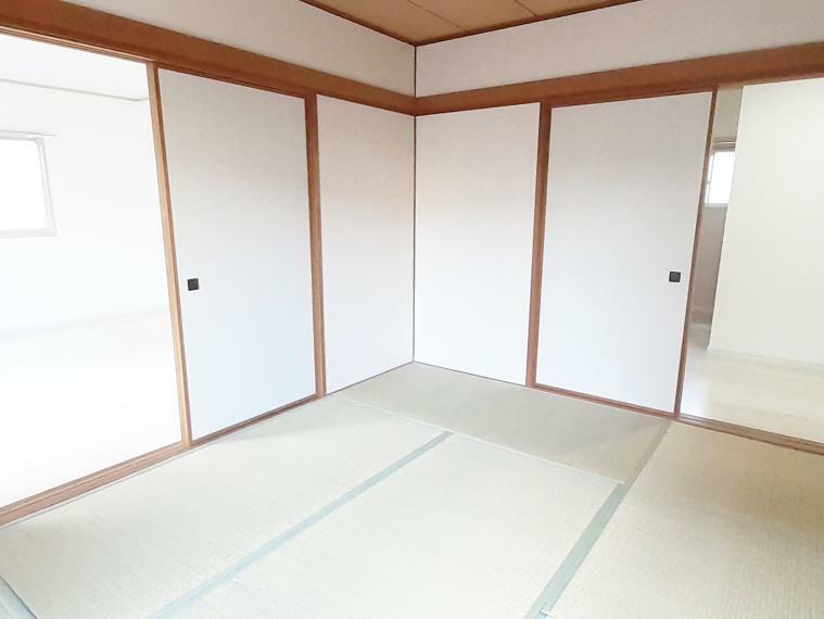 和室 廊下側にも出入り口があるので独立した部屋としても使えます