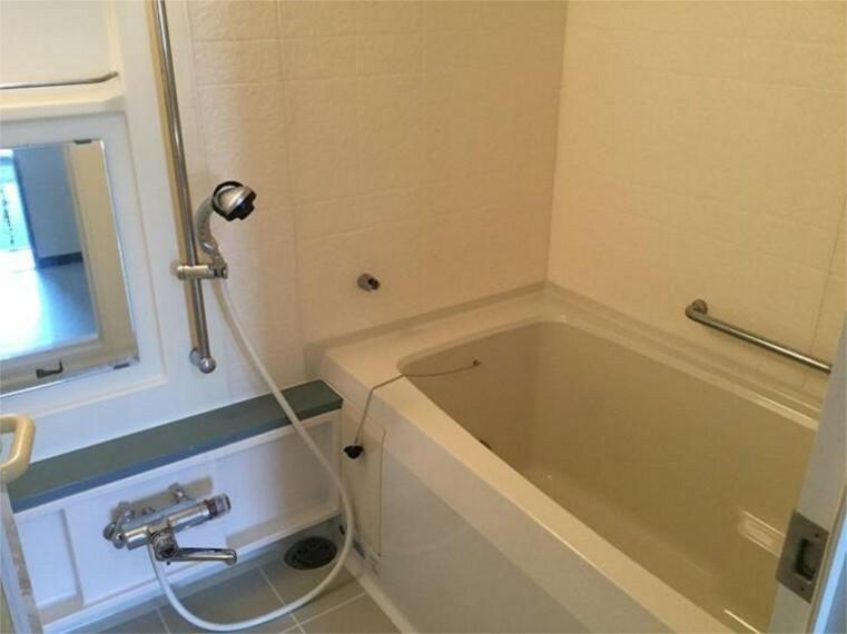 浴室 追い炊き機能付きでいつでも温かいお風呂に入れます