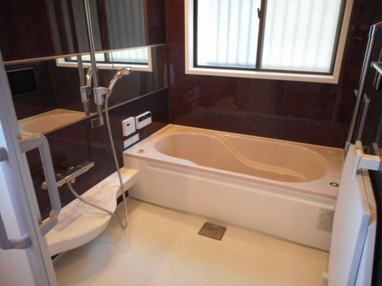 浴室 浴室暖房乾燥機付き、ラジオ音響付き