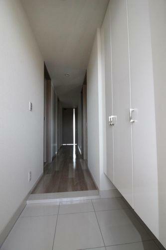 玄関 明るい玄関です