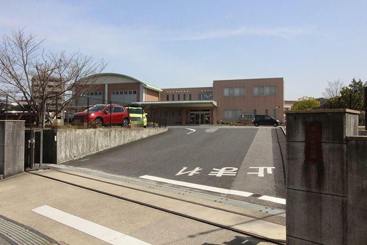 幼稚園・保育園 岡崎女子短期大学付属第一早蕨幼稚園 徒歩11分。