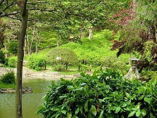 有栖川宮記念公園 徒歩10分。