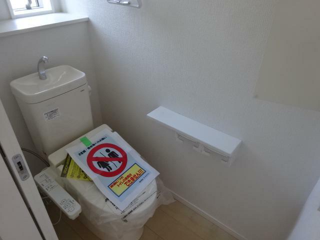 トイレ 2階にもトイレがあります(同仕様)