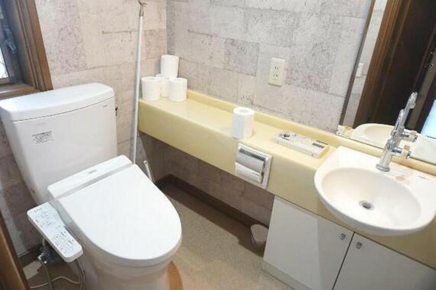 トイレ シャワートイレは嬉しい装備です。