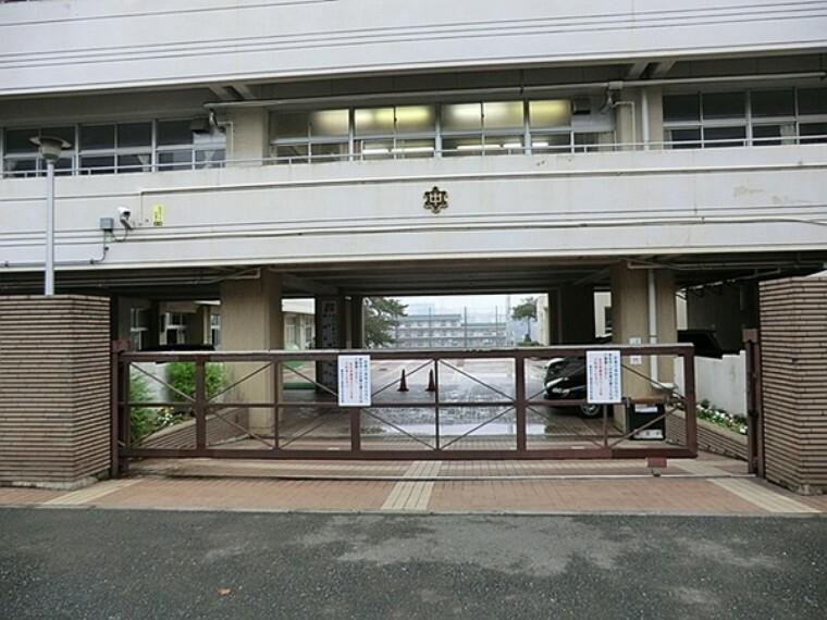 中学校 横浜市立浦島丘中学校