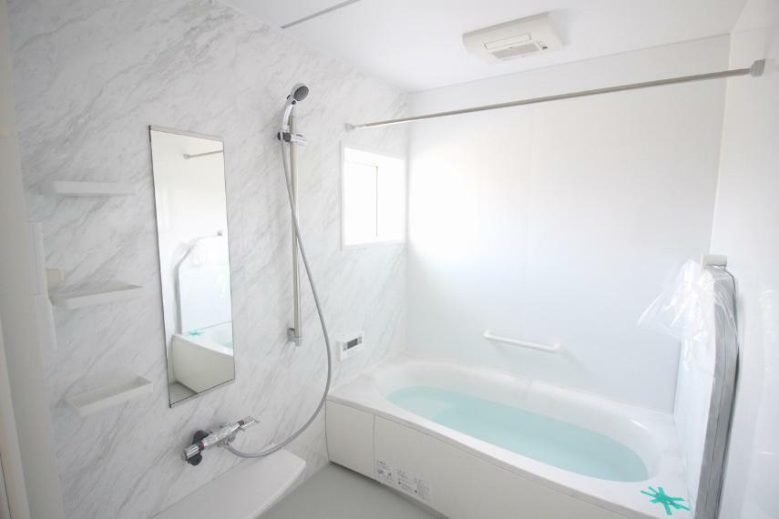 浴室 浴室乾燥機付き!手すり付きで安全ですね!