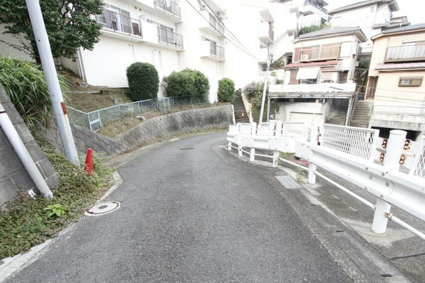 外観写真 前面道路含む現地写真