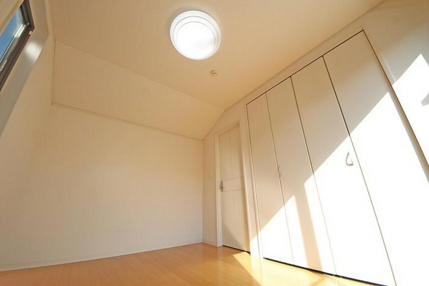 居間・リビング 全居室には機能的な収納を配置し、居住空間にゆとりをプラス。