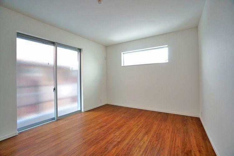 各居室とも家具が配置しやすい形。お気に入りの家具で部屋を飾り付けてみてはいかがですか。